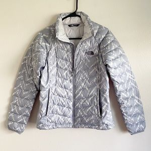 The North Face Gray Chevron Quilted Jacket Small